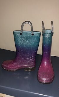 7/8 light up rain boots Woodbridge, 22192