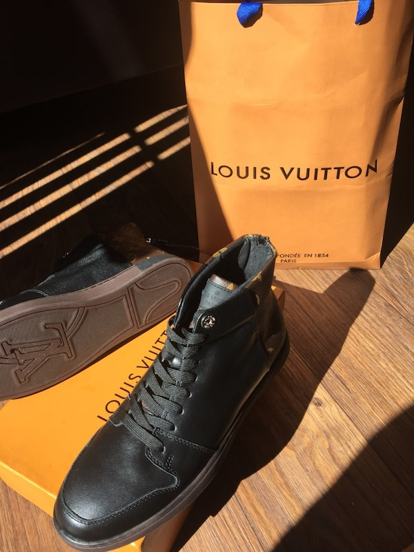 5a2fd08565ee7b Used Louis Vuitton Shoes for sale in Houston - letgo