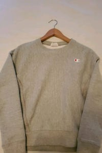 Champion long sleeved sweater