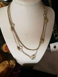 gold-colored chain necklace Edmonton, T5Z 2Z8