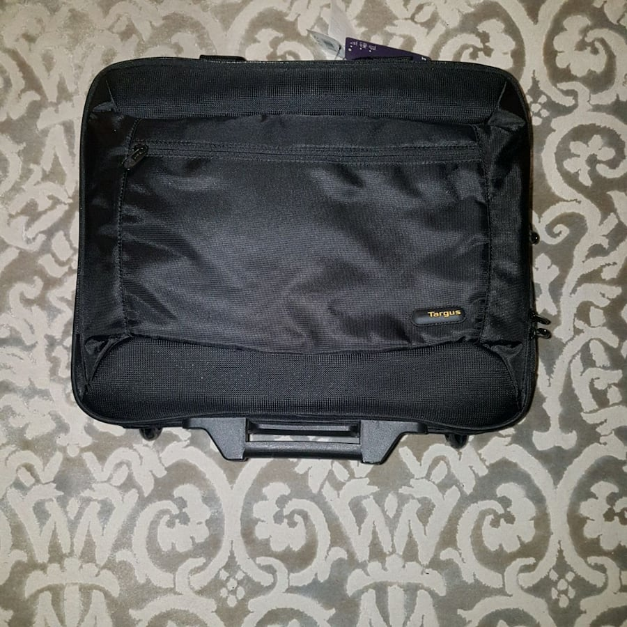 BRAND NEW / LAPTOP CASE  17.3 INCH TARGUS