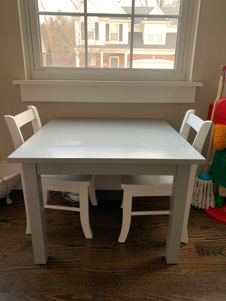 Photo Pottery Barn Kids first table and 2 chairs