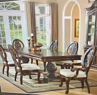 Dining Room/Kitchen table & chairs! Hurry, this will sell fast! New Orleans