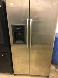 Stainless steel fridge comes With a 30 day Warranty  Pearl, 39208