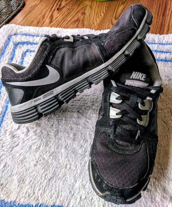 Nike shoes mens size 9.5