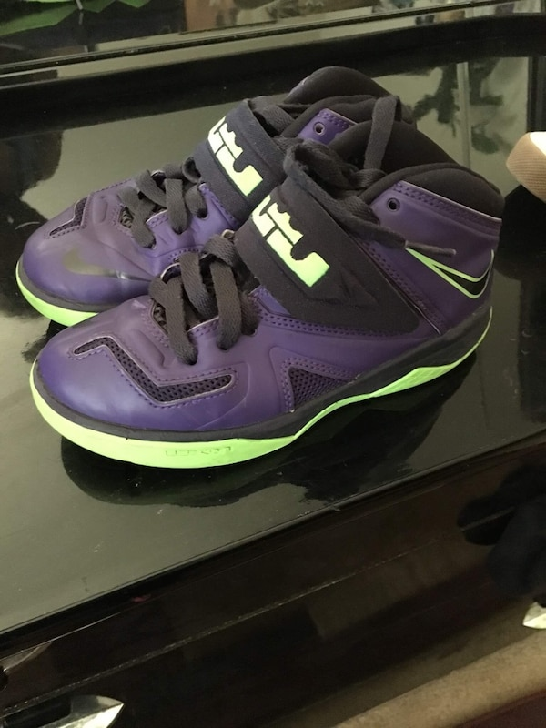 low priced 544aa 74106 nike lebron james purple and black shoes