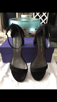 STUART WEITZMAN THE NEARLYNUDE SANDAL BLK SUEDE Size:7M Richmond, V7A 1N5