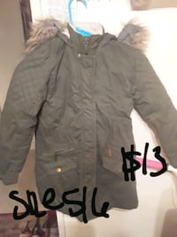 Girls size 5/6 long green fur parka