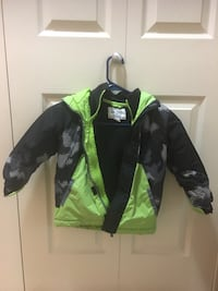 Size 5T boy winter jacket  New Westminster, V3M 1M4