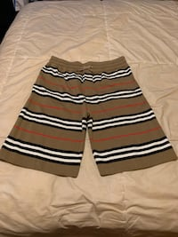 Burberry shorts  size Large 34-36in waist Passaic, 07055