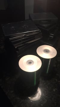 200 blank cds and 29 plastic cases Hyattsville, 20782