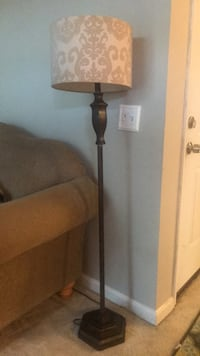 black and gray floor lamp Woodbridge, 22191