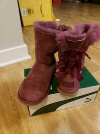 maroon UGG Bailey Bow boots with box Alexandria, 22305