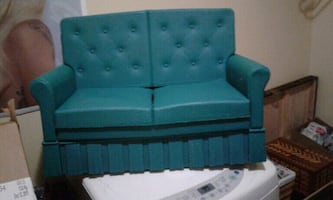 VINTAGE KID'S (PLASTIC) COUCH