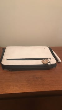 white and black leather crossbody bag Montréal, H2C 2P2