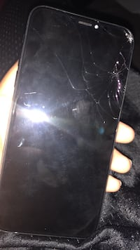 cracked space gray iPhone 6 Victorville, 92394