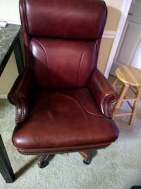 brown leather office rolling chair Leesburg, 20175