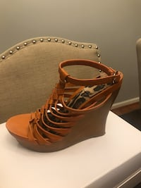 Jessica Simpson wedges Oxon Hill, 20745