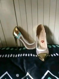 pair of brown leather peep-toe pumps Benicia, 94510