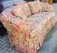 Comfortable Couch Burke, 22015