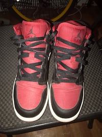 Pair of black-and-red air jordan shoes New York, 11226