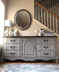 """""""Perfect Condition"""" Gorgeous """" Buffet / Dresser / Media Stand 2334 mi"""
