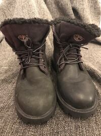 Girls or boys black roll top Timberlnds, size 4.5 Toronto, M6P 1R2