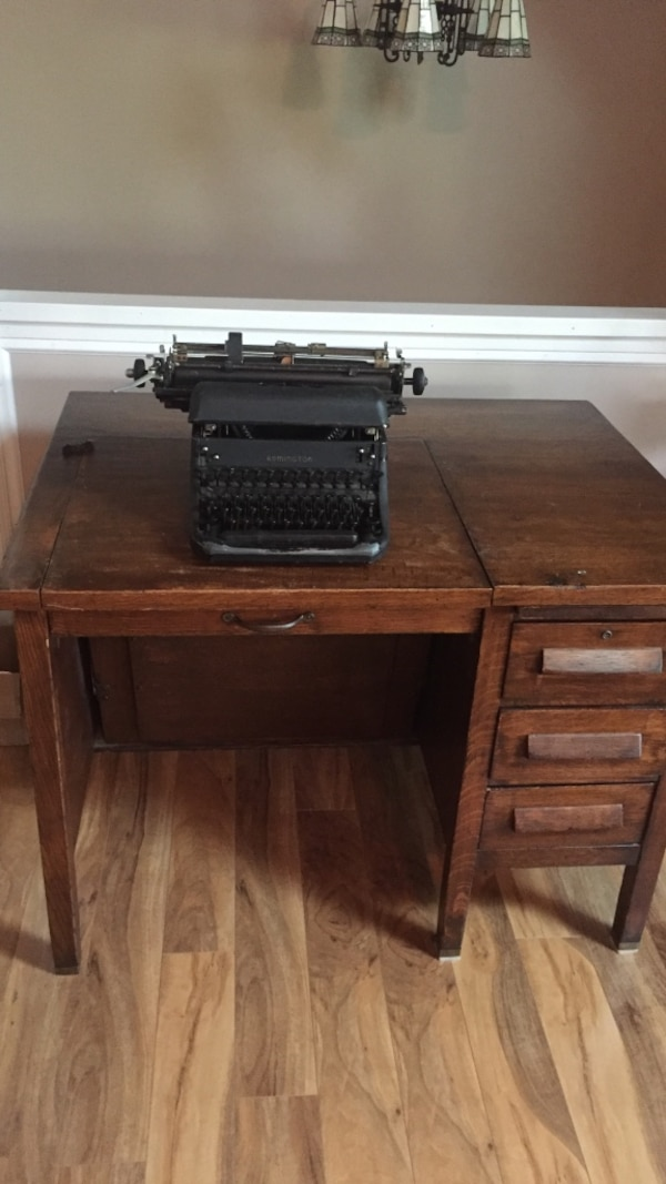 1940's antique typewriter desk - Used 1940's Antique Typewriter Desk For Sale In Saint Peters - Letgo