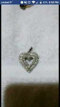 silver-colored heart pendant Evansville, 47711