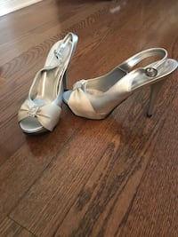 pair of white leather peep toe ankle strap heels Montréal, H4M