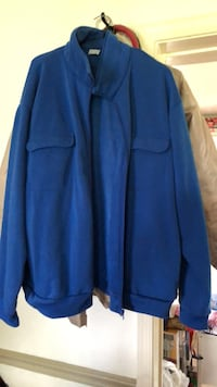 fleece Jacket  with 2 upper pockets and  side pockets.  never used  size XX Mount Airy, 21771