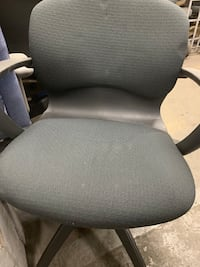 black and gray rolling chair Bolton, L7E 2C9