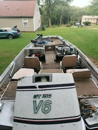white and black outboard boat Chattanooga, 37416