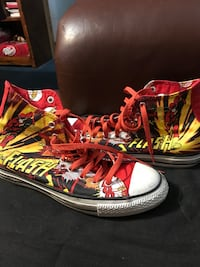 DC comics men's 8 women's 10 converse Harlingen, 78550