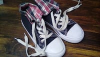 GIRLS HIGH TOP SHOES SIZE 2 ( in milledgeville) Macon