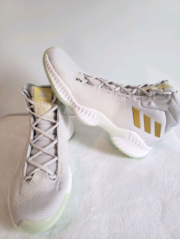 5a89699a6 Used adidas Pro Bounce 2018 Basketball Shoes Sneakers for sale in Beverly