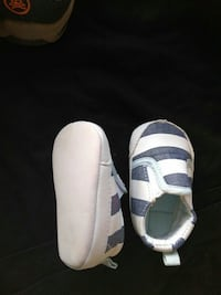 toddler's pair of gray and white loafers Caseyville, 62232