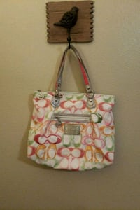Authentic coach poppy bag or more like a tote Olympia, 98513