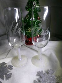 Mr & Mrs etched champagne glasses