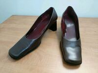 pair of black leather heeled shoes Burnaby, V3N 3E4