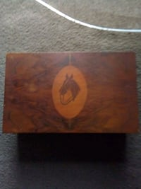 vintage whiskey bottle box has music box also Grand Junction, 81503
