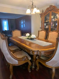 Large dining table with 6 chairs Toronto, M6A 1L9
