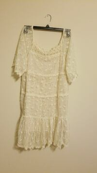 Cream colored lace dress size Large
