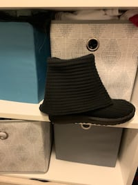 Black button down UGG boots size 7 Baltimore, 21230