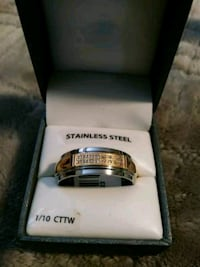 silver and gold ring in box Indianapolis
