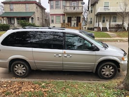2006 Chrysler Town & Country Limited LWB