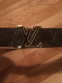 black and brown Louis Vuitton leather belt Dieppe, E1A 8R1