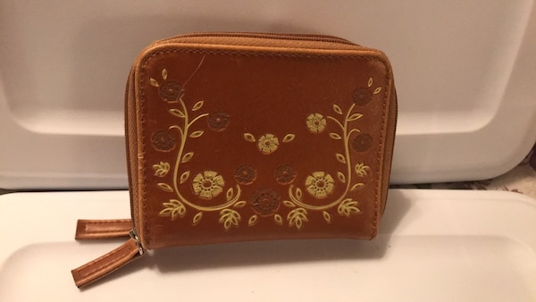NEW. Brown Floral Leather Wallet