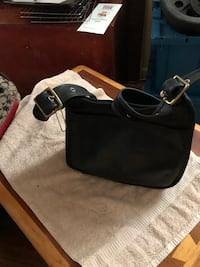 Small leather coach bag Seat Pleasant, 20743