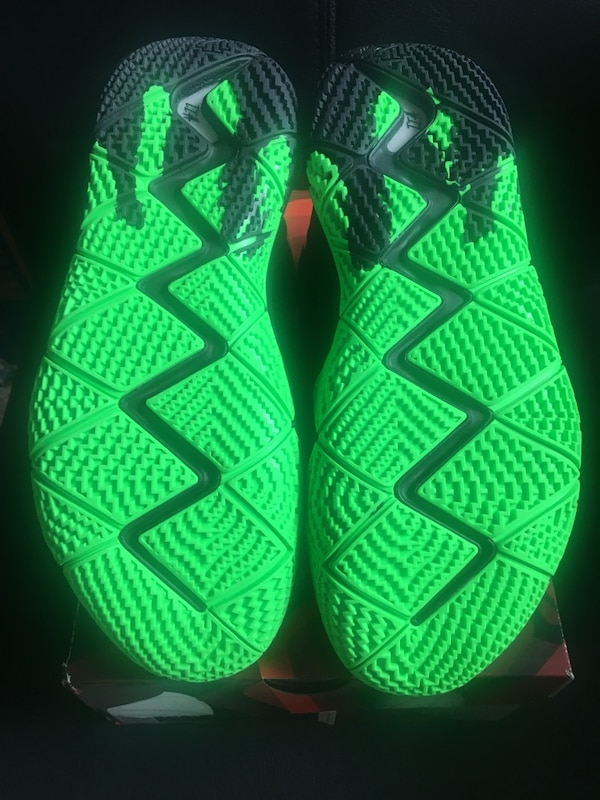 huge selection of 0a5ab efcf4 Kyrie 4 Halloween
